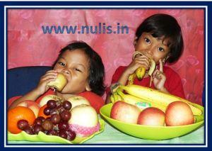 Kita suka ngemil buah loh..enakk!!