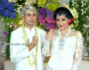 pernikahan Raffi