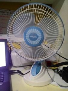 Kipas Angin Miyako KAD - 927 B : Wall Fan Oke, Desk Fan Oke!