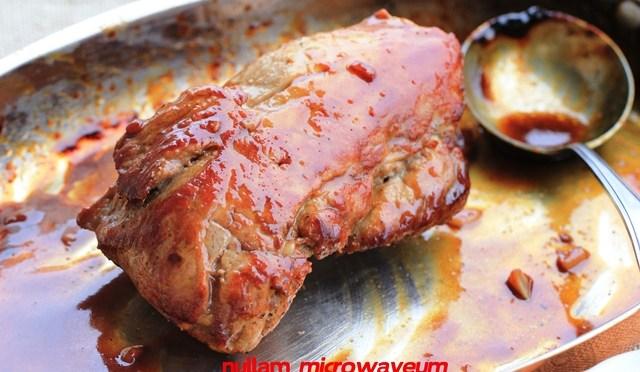 Varkenshaasje geglazuurd met rode miso