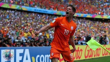 Klaas-Jan Huntelaar con la maglia dell'Olanda | Numerosette Magazine