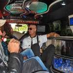 portrait groupé Nunsu artistes limousine et bière dans le clip Pôle Emploi du rappeur français Nunsuko