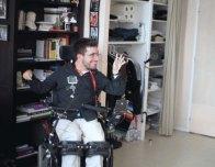 client handicapé dans le clip Pôle Emploi du rappeur français Nunsuko