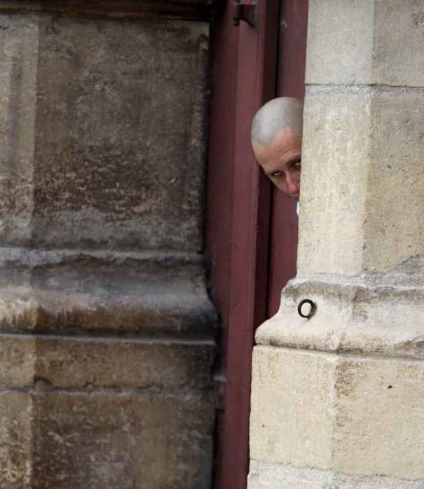 nunsu psychopathe dans cathédrale de reims