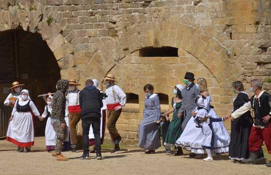 comment danser la branle? Une danse issue de la ville de Reims