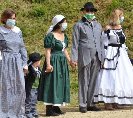Pour les personnes qui souhaitent organiser des soirées à thème, il est nécessaire d'avoir des déguisements