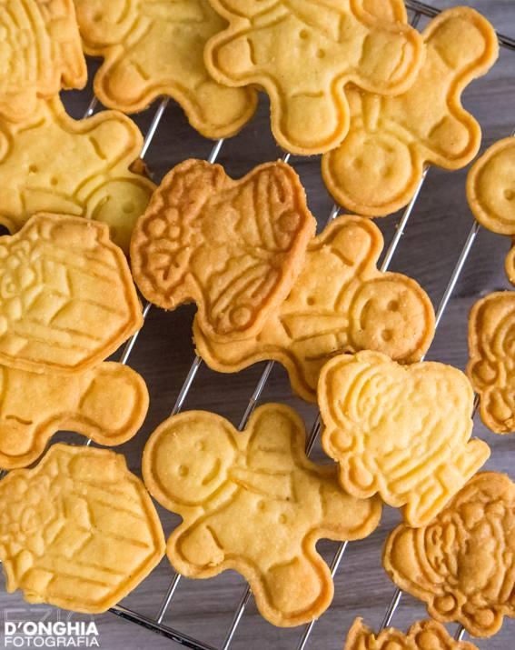 Biscotti con stampi ad espulsione