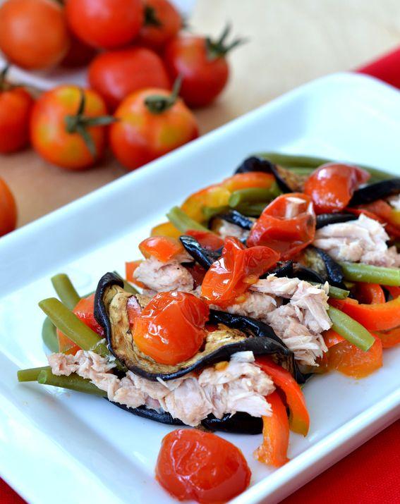Involtini di melanzane grigliate con tonno e peperoni