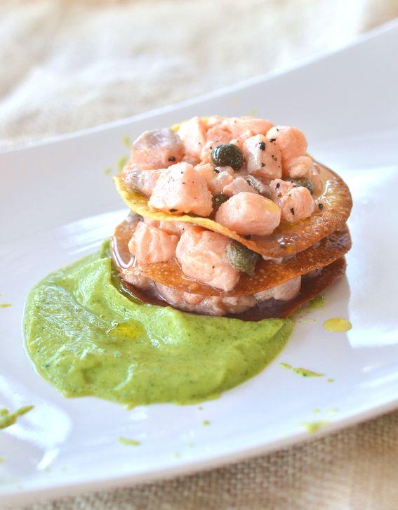 Sfoglia allo zafferano con tartare di trota salmonata
