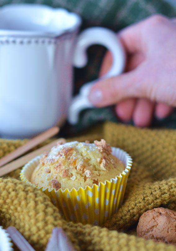 Muffin integrali all olio d oliva con albicocche e amaretti