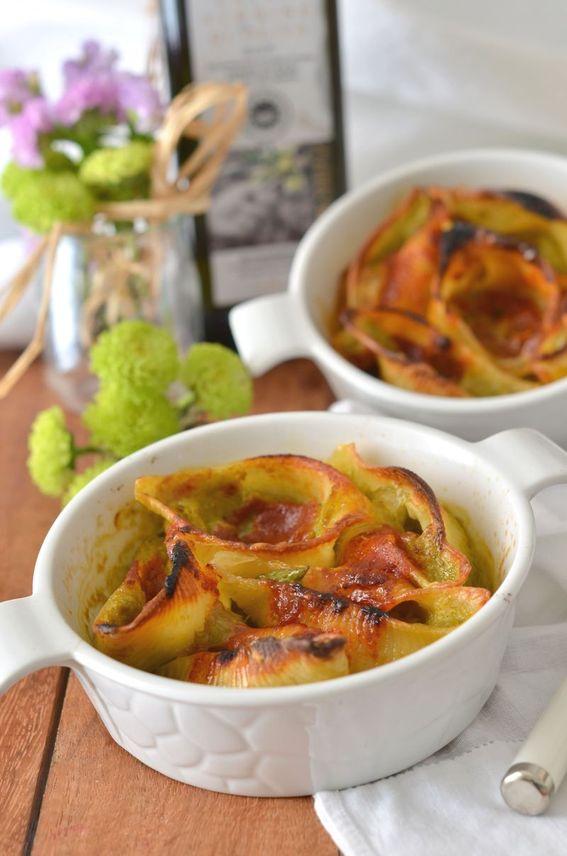 Conchiglioni al forno ripieni di crema di asparagi e mozzarella