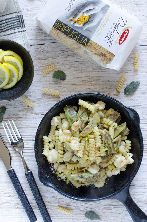 Fusilli bucati con gamberetti e carciofi profumati al limone