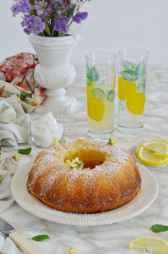Ciambella soffice senza burro con limone yogurt e cocco