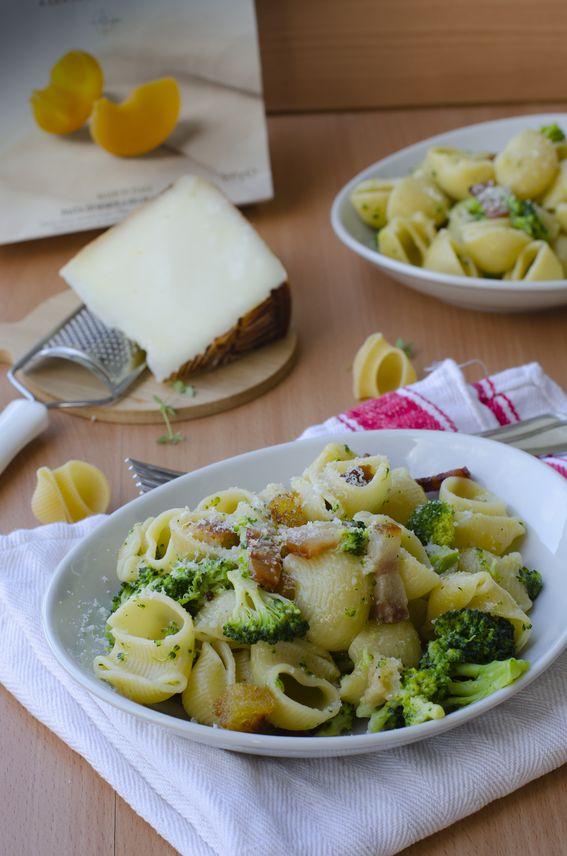 Lumaconi con broccoli guanciale croccante e canestrato pugliese