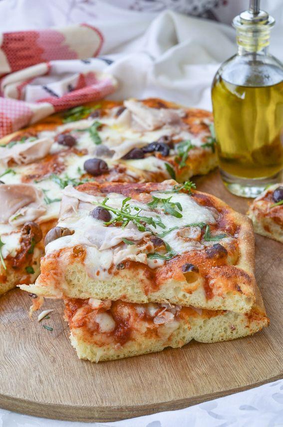 Pizza in teglia con lievito di birra e maturazione in frigo di 20 ore