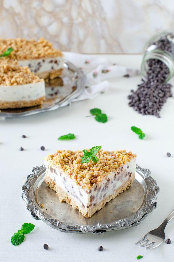 Cheesecake senza cottura con crema di ricotta e gocce di cioccolato