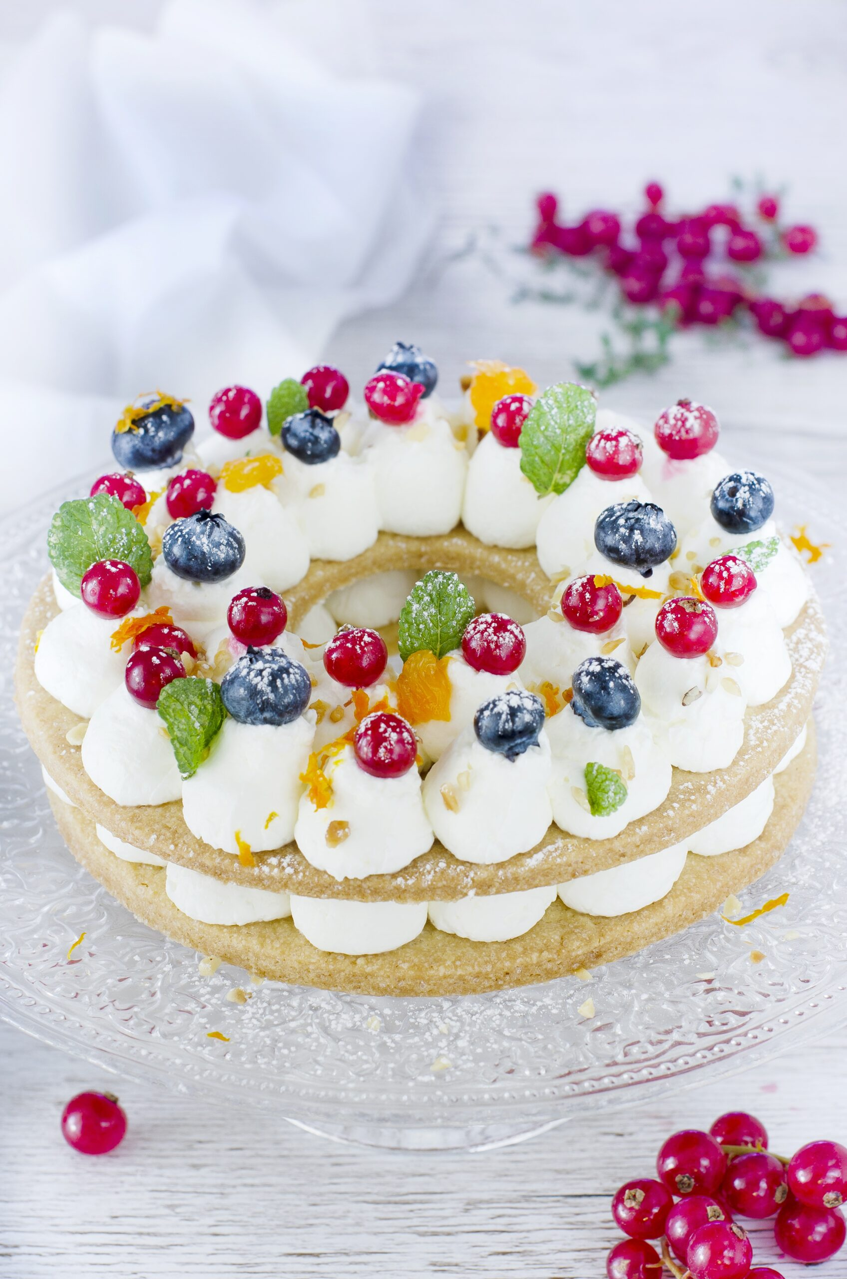 Cream tart con crema al formaggio e frutti di bosco