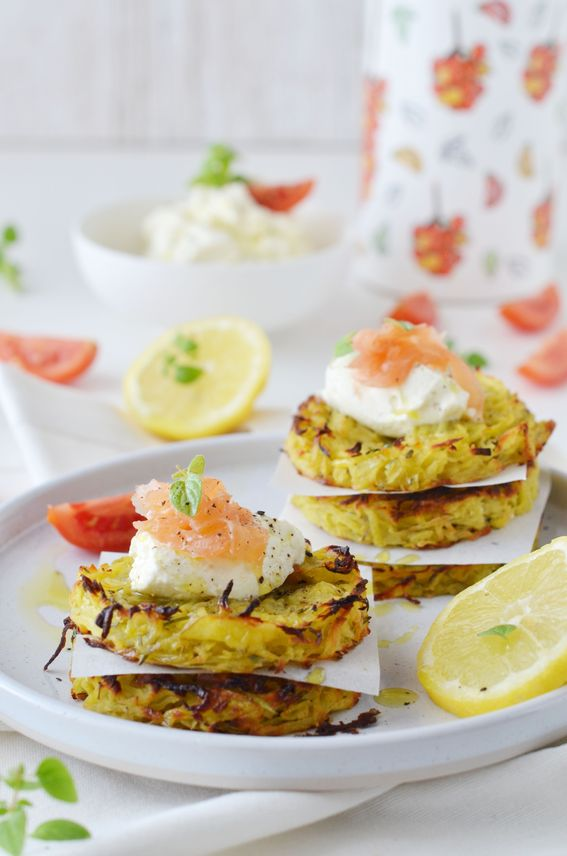 Rosti di patate al forno con formaggio spalmabile e salmone