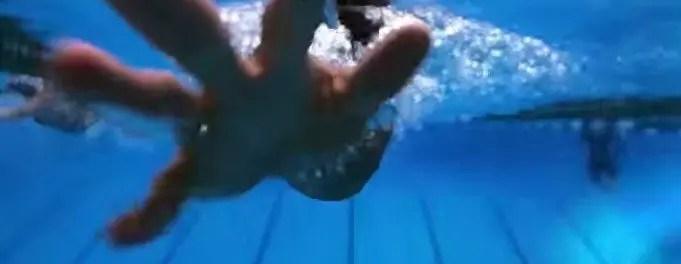 esercizio nuoto mano Stile Libero