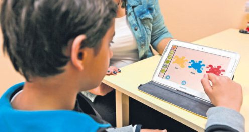 Fonte immagine: Daily Sabah - http://www.dailysabah.com/education/2015/04/02/mobile-app-to-ease-education-for-autistic-children
