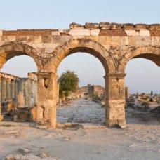 La porta di ingresso a Hierapolis