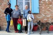 Migranti: mentre si chiudono i porti, c'è chi apre le case
