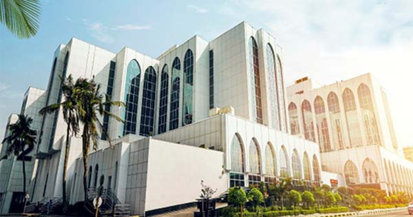 Dr. Soliman Fakeeh Hospital in Jeddah hiring staff nurses, starting salary at SR 3,800