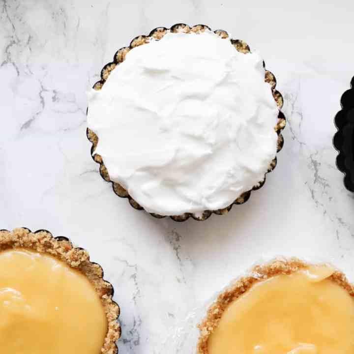 No bake lemon meringue taartjes