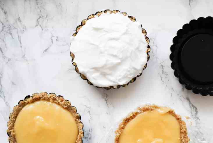 No bake lemon meringue taartjes