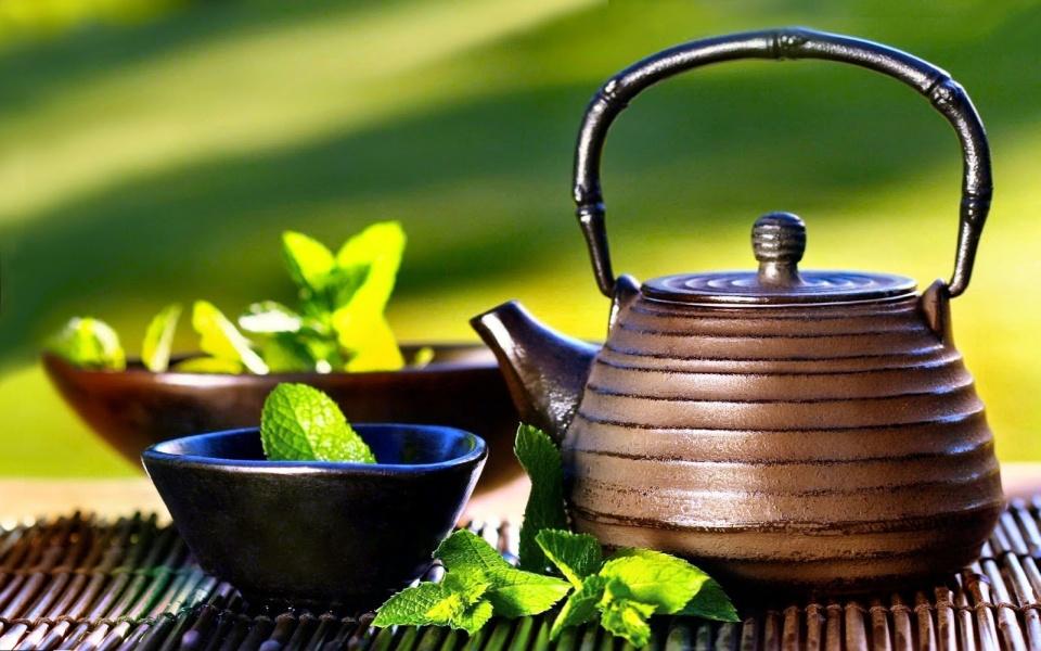 Ceaiul verde – proprietati, indicatii si posibile interactiuni cu medicamentele