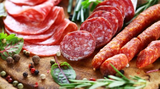 Consumul de carne procesata si riscul de cancer colorectal