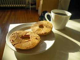 bagel with pb
