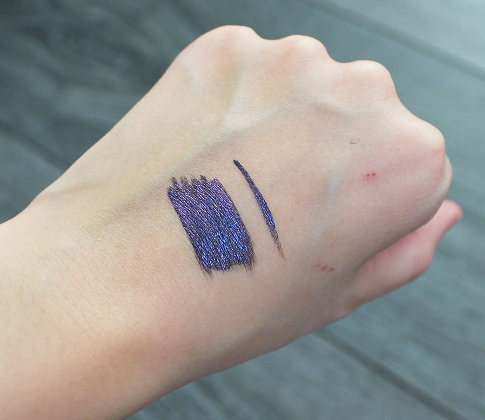 urban-decay-razor-sharp-liquid-eyeliner-retrograde-swatch