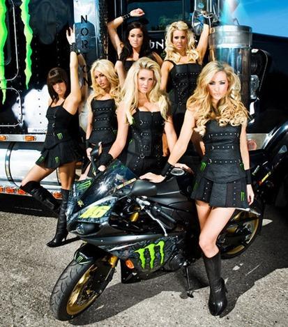 Monster-Energy-Girls-1
