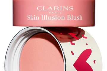 02 Clarins Skin Illusion Blush
