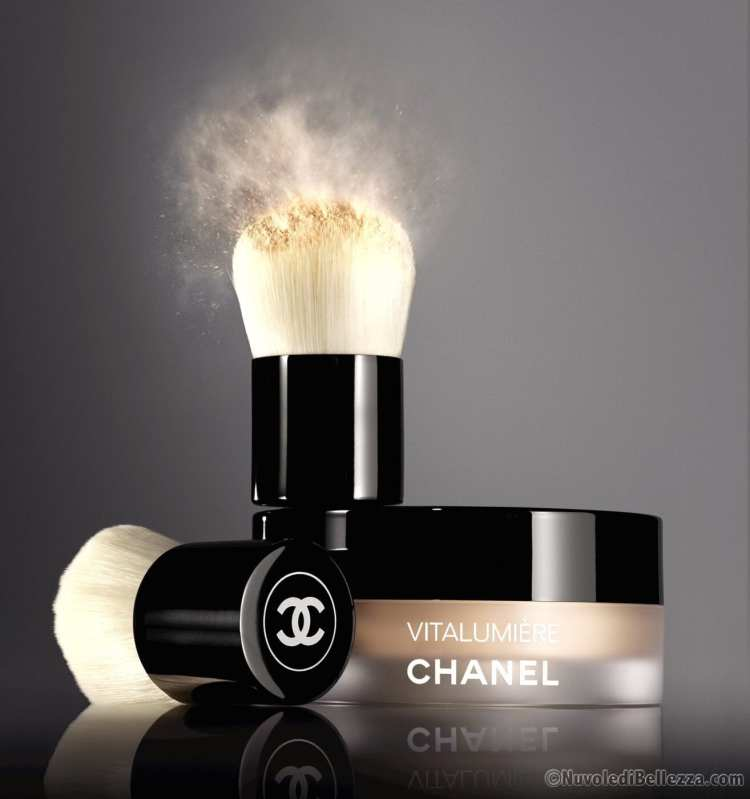 Chanel Vitalumiere Fond De Teint Poudre Libre