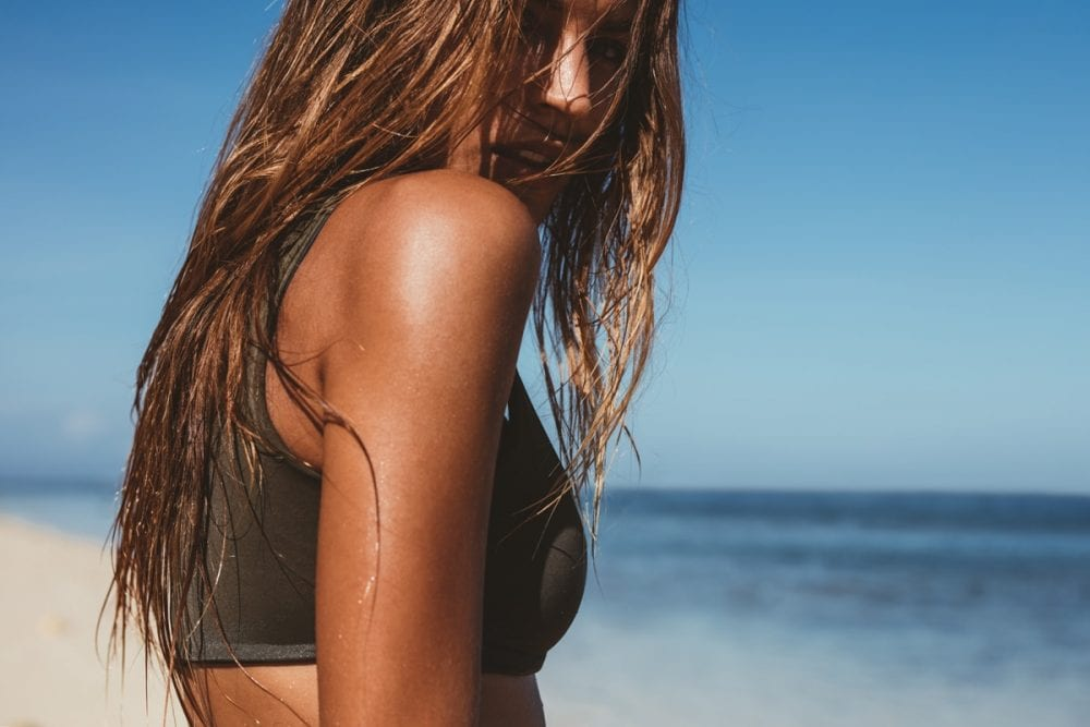 capelli spiaggia salsedine