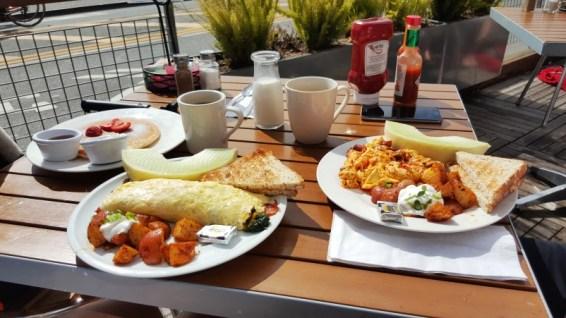 Bridgeway Café