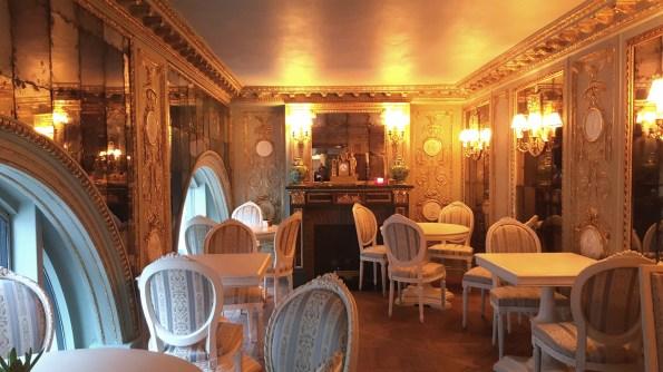 Tea time Café Pouchkine