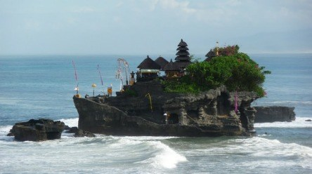 https://i2.wp.com/www.nvisible.com/nvisiblegraphics/ph/9/TanahLot3.jpg?resize=444%2C248