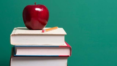 Apple-on-top-of-school-books-jpg_20160725194917-159532