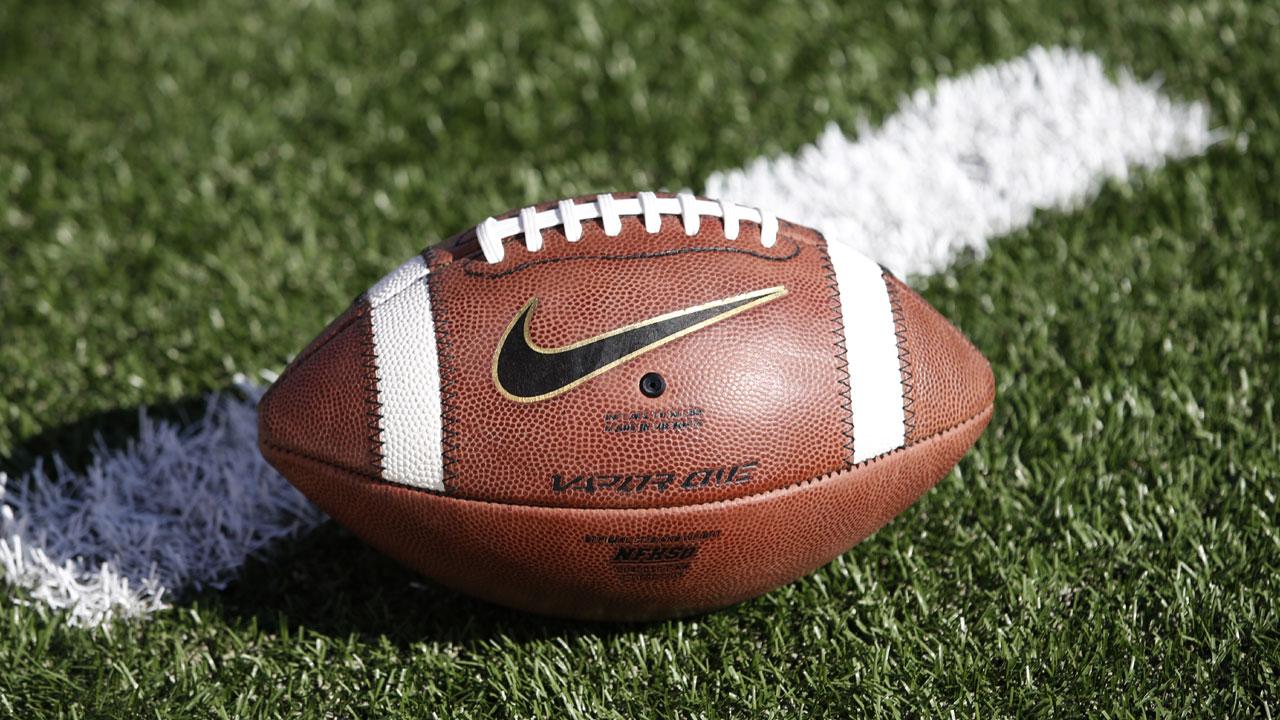 Nike%20logo%20on%20football_1483981933252_176689_ver1_20170109171826-159532