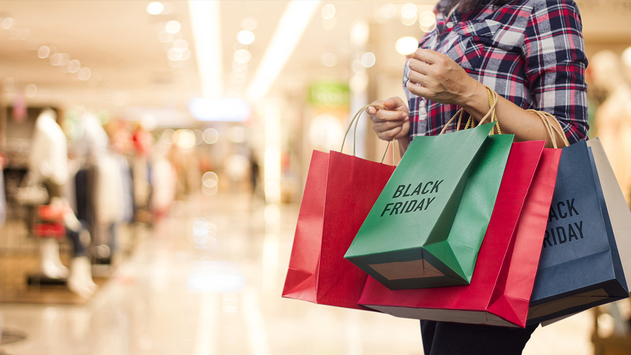 black-friday-shopping-at-the-mall_1542817198181_421713_ver1_20181121212002-159532