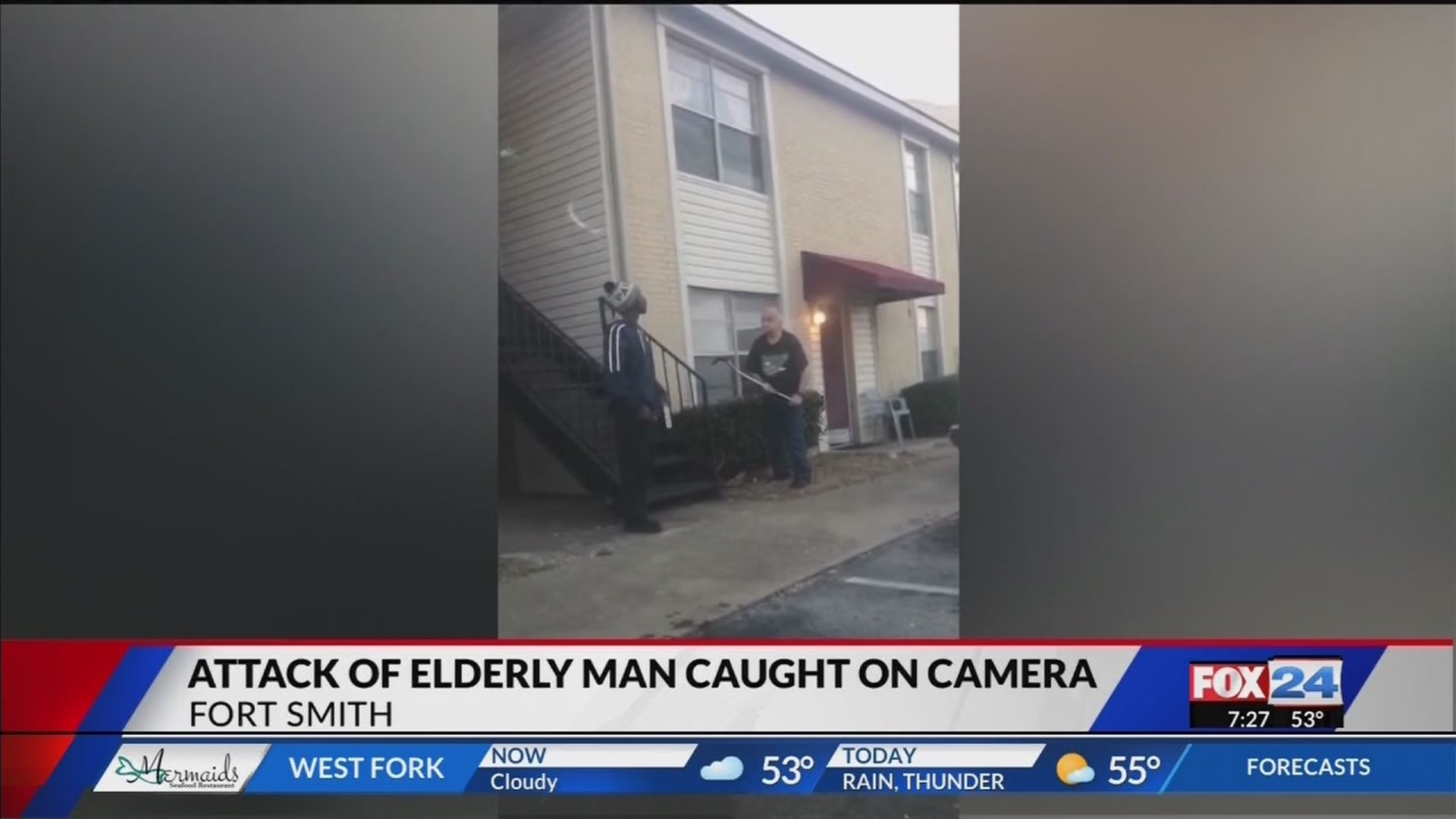 Attack_of_Elderly_Man_Caught_on_Camera_i_0_20181213133621