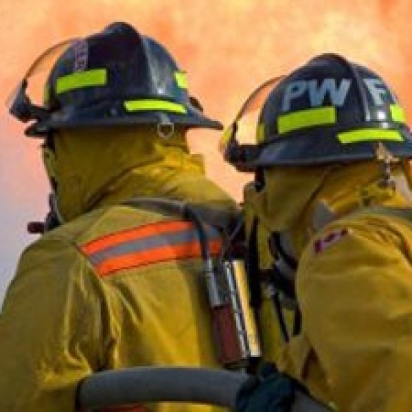 Firefighters-fighting-wildfire-jpg_20160813222418-159532
