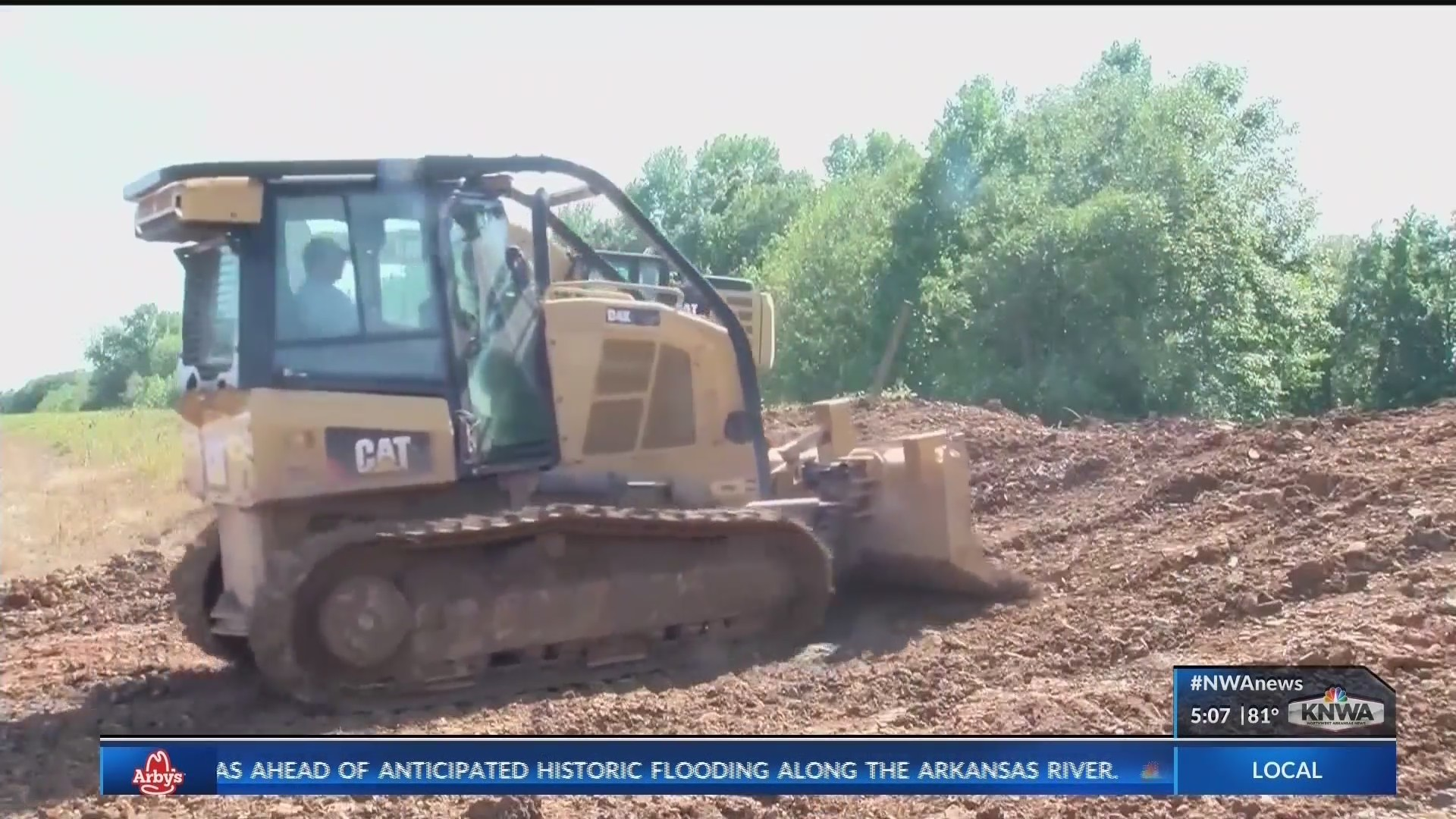 Farmers race to protect land, rice worth millions before predicted 'historic' flood (KNWA)