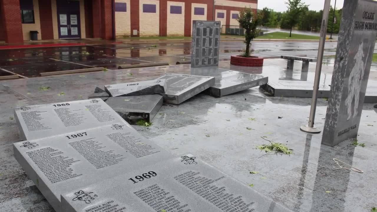 Ozark_High_School_Storm_Damage_3_20190518212822