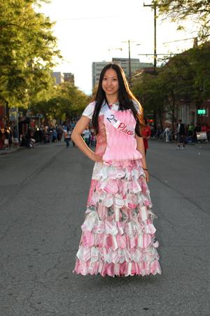 https://i2.wp.com/www.nwasianweekly.com/wp-content/uploads/2012/31_31/blog_dress.JPG?resize=300%2C451