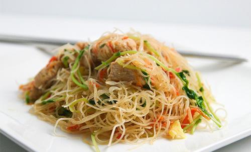 https://i2.wp.com/www.nwasianweekly.com/wp-content/uploads/2015/34_20/food_pancit.jpg