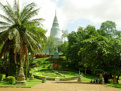 https://i2.wp.com/www.nwasianweekly.com/wp-content/uploads/2015/34_25/travel_phnom.jpg